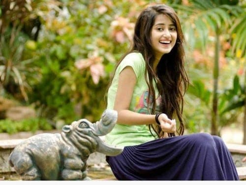 Pakistani actor sajal ali pictures